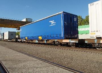 Caisse mobile sur les rails entre Toulouse et Valenton.